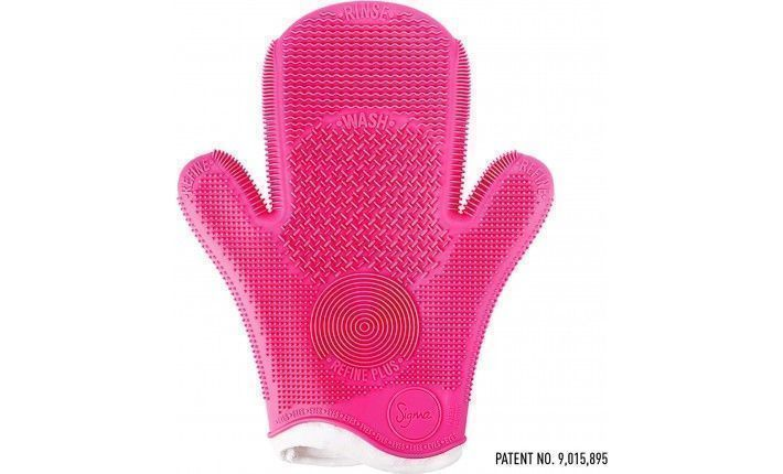 2X Sigma Spa® Brush Cleaning Glove Pink - Sigma Beauty
