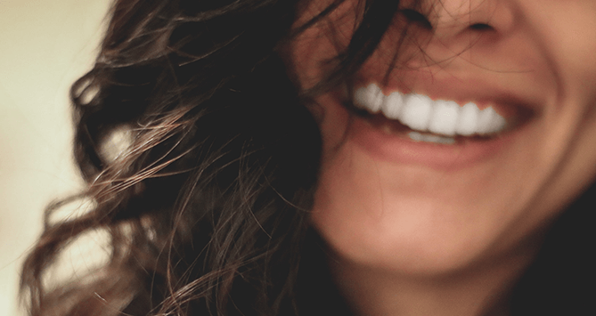 3 idées reçues sur le blanchiment dentaire à la maison