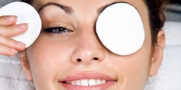 Conseils pour éviter d'avoir le contour de l'œil déshydraté