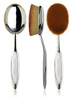 Photo pinceau maquillage fond de teint Artis Brush
